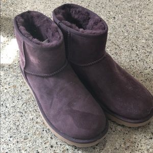 Uggs women's size 8 worn once!!